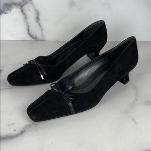 STUART WEITZMAN black suede heels size 6.5